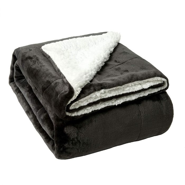 Luxurious Sherpa Fleece Throws: stay warm and cozy with these!